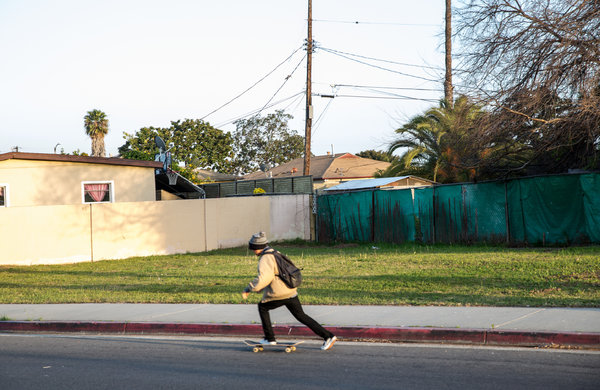 A vacant lot in the Harbor Gateway area of Los Angeles will be turned into a park, forcing out paroled sex offenders. Photo: NYT